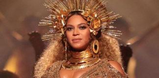 Beyonce Metallic Look